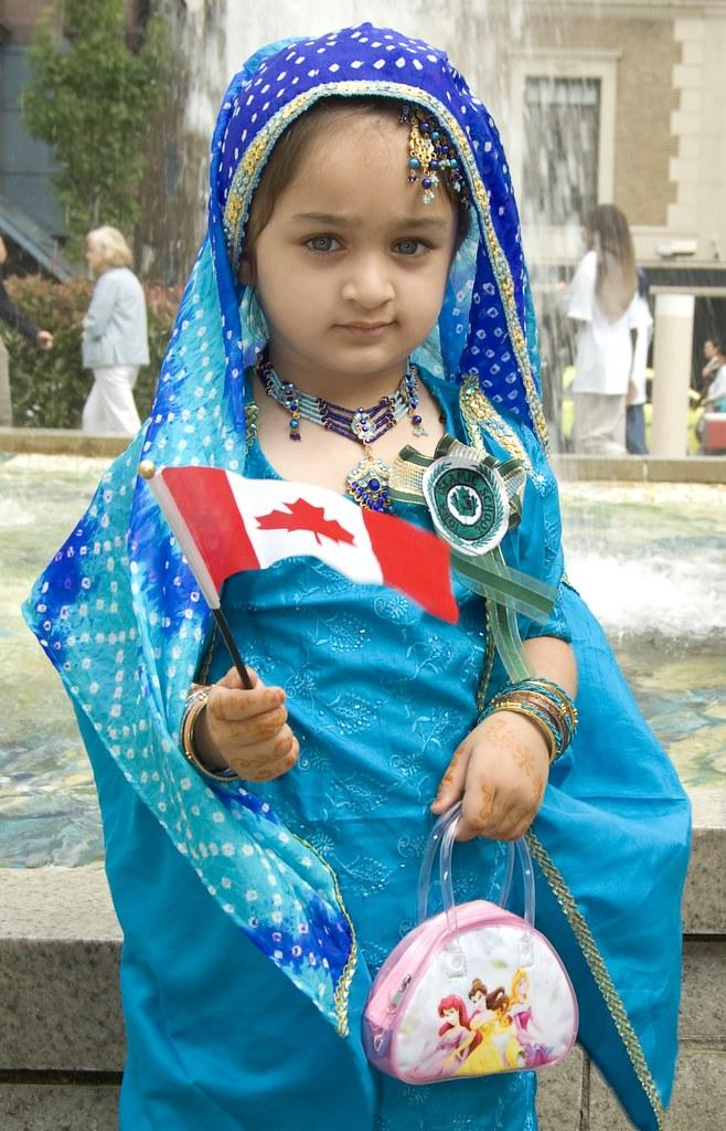 Indian Muslim Girl  Canadian Islamic Cultural Expo 2007 -3394