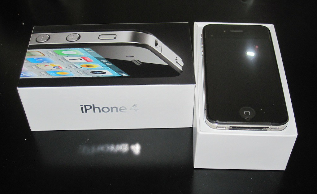 Iphone  Box With Accebories