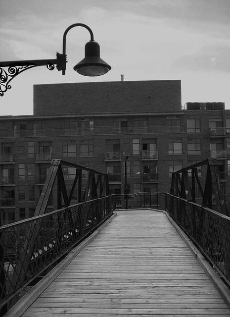 Monochrome Wallace Footbridge