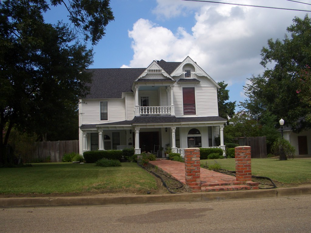 Mexia Texas house Unidentified Victorian house in Mexia …