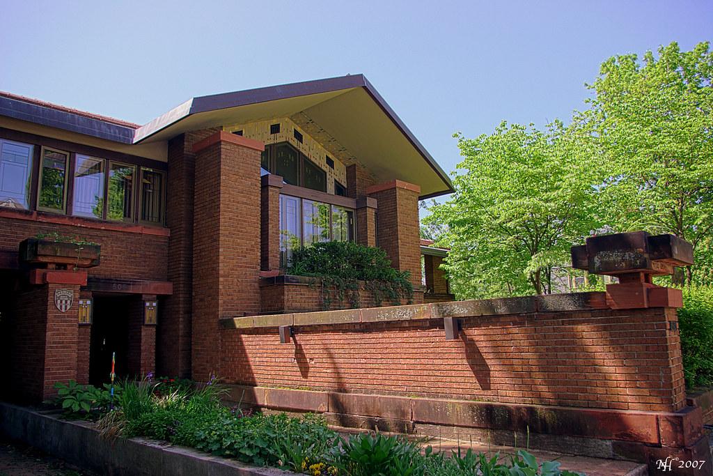 Frank lloyd wright house a frank lloyd wright house in for Frank lloyd wright modular homes