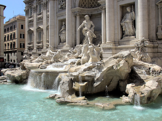 Fountain di Trevi, Italy