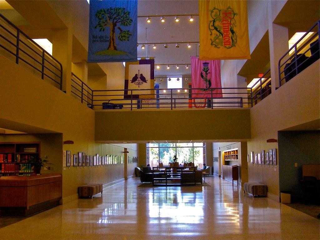 Davis Library Unc Chapel Hill Atrium The Building