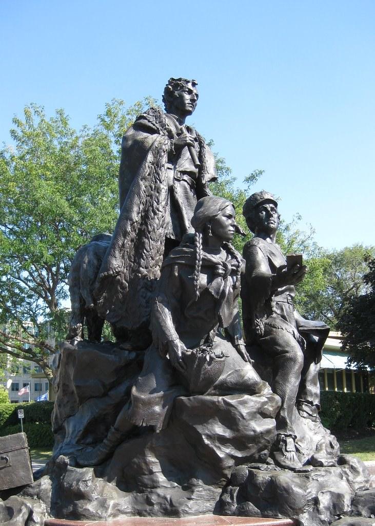 Lewis Clark York Sacagawea Pomp And Seaman Statue Flickr