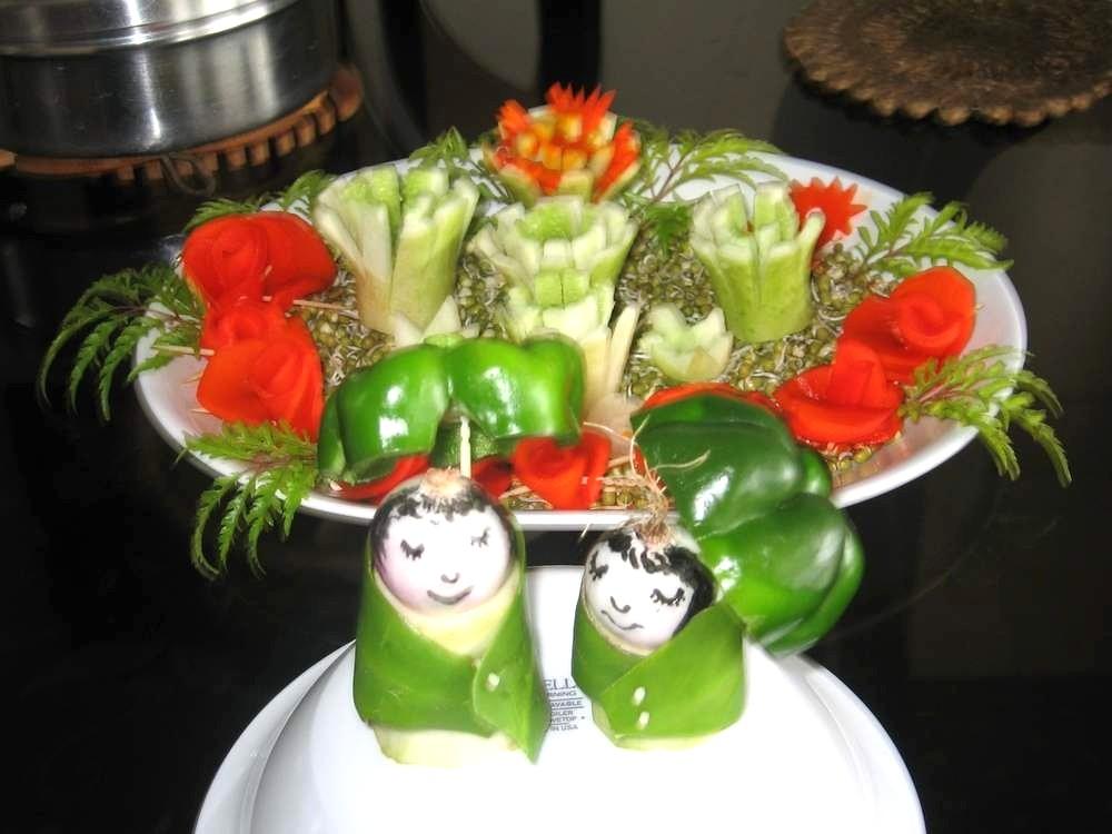 Salad decorations with monsoon theme salad decoration for Decoration salade