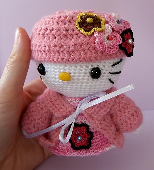 HELLO KITTY Amigurumi whit hat Isabelle Flickr