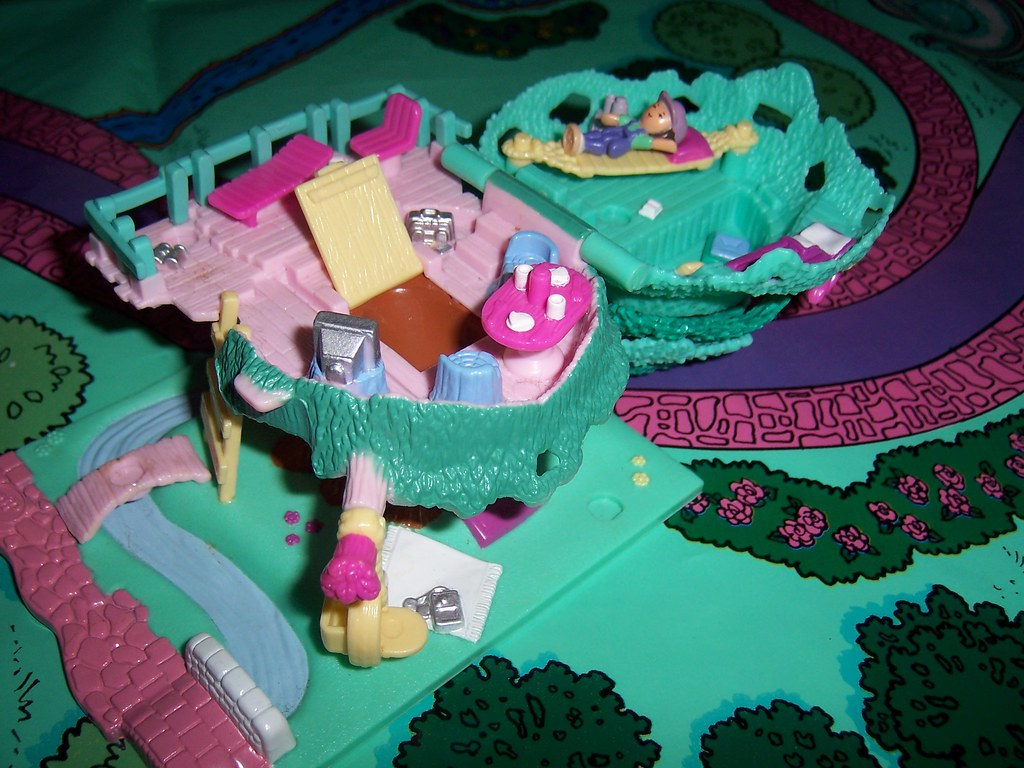 Polly Pocket Tree House 1994 Original Open The Yellow