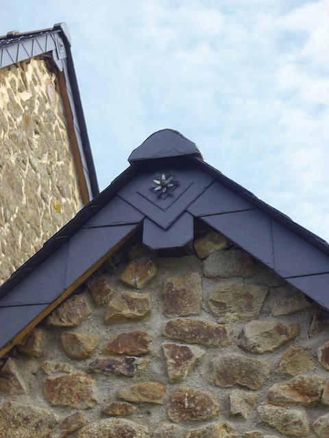 D tail de la toiture une fleur en zinc le couvreur a mis flickr - Pot de fleur en zinc ...