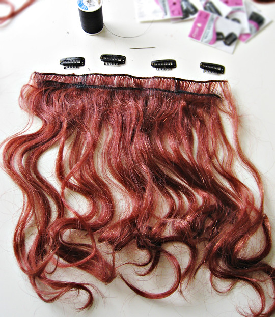how to open hair extension clips