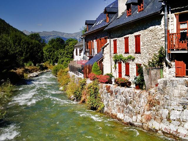 Garona me largo de nuevo garona river at arties v - Inmobiliaria valle de aran ...