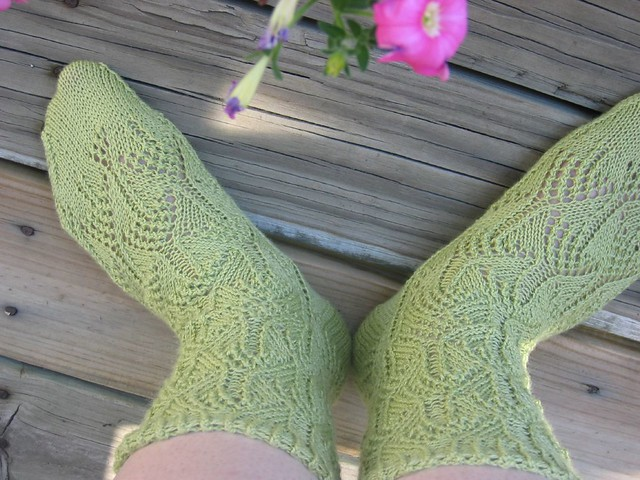 Knitting Like Crazy Blog: Flicker Socks