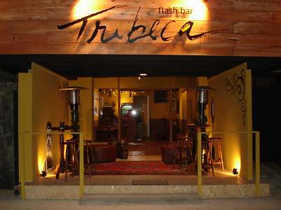 Tribeca flash bar fachada arquiteto marcelo john flickr for Fachadas bares rusticos