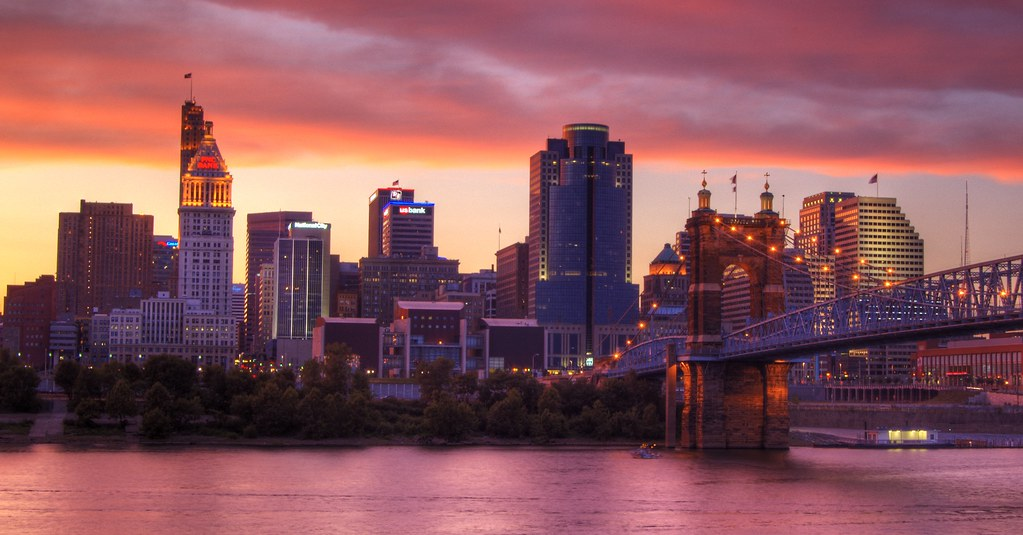 Cincinnati >> Cincinnati Sunset | I took this just before the fireworks Su… | Flickr