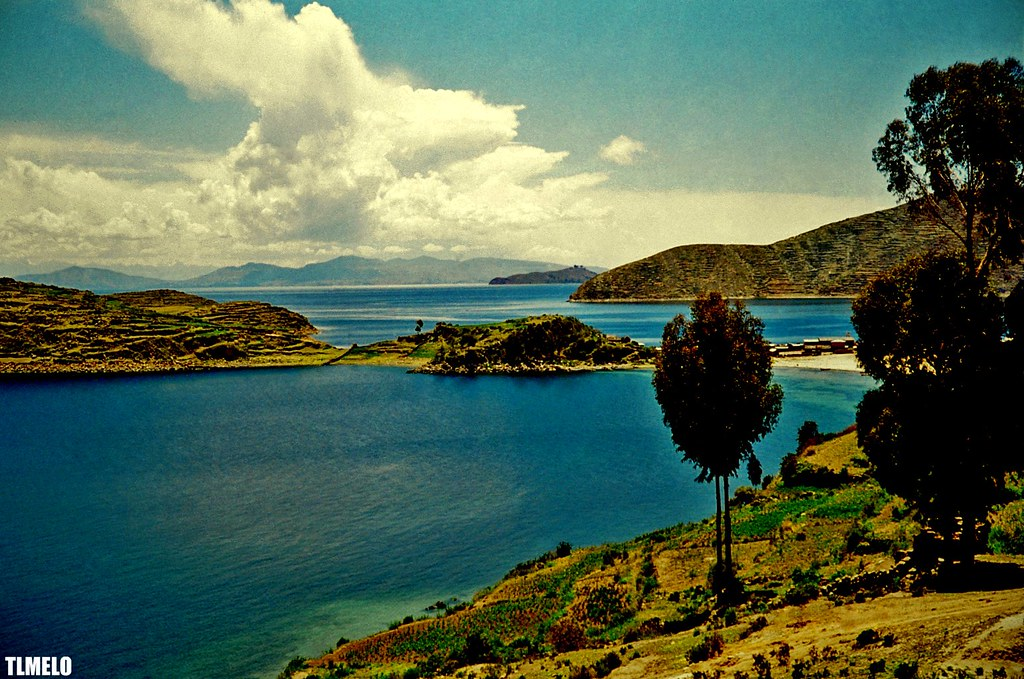 The Highest Navigable Lake in the World - Lago Titicaca | Flickr