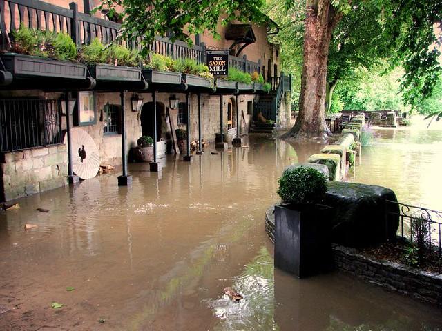Warwick - Flooded Saxon Mill | The Saxon mill pub and ...