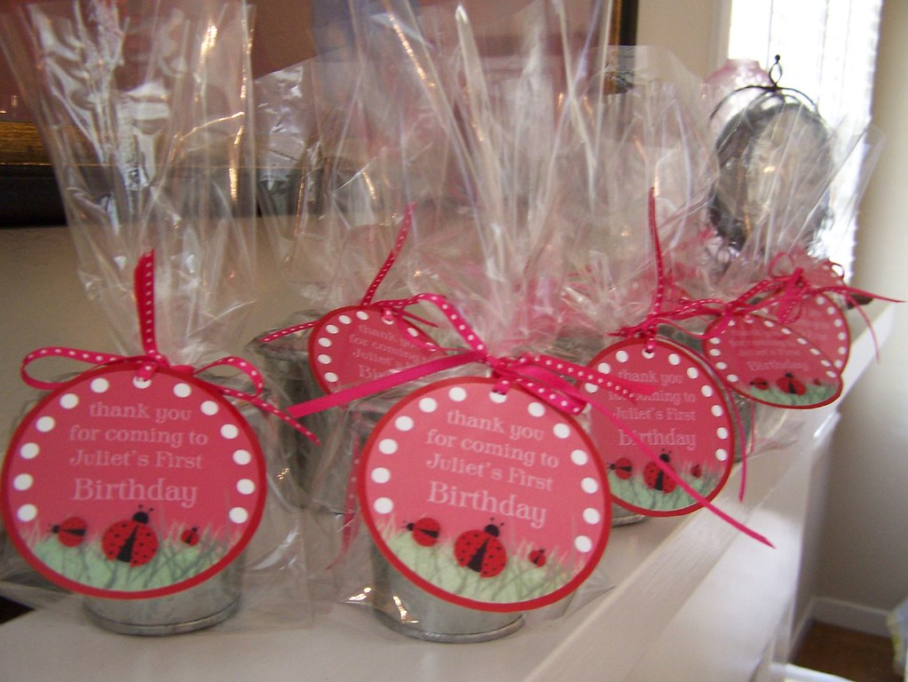 Baby Gift Baskets Victoria : Party favors tins filled with candy kisses customized t