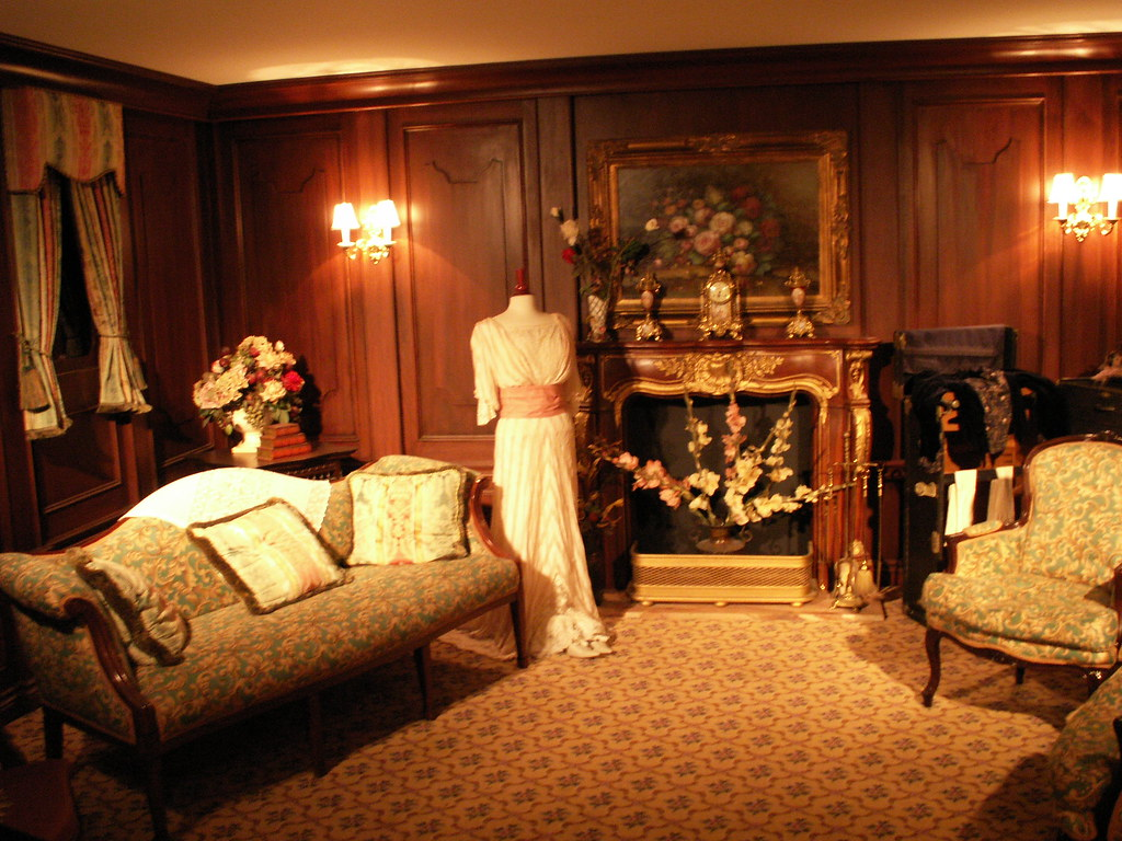 Inside the 1st class passenger room at the titanic exhibit Who was on the titanic in first class