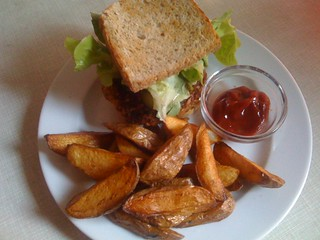 Veggie Burger and Potato Wedges from Hans Wurst | by veganbackpacker