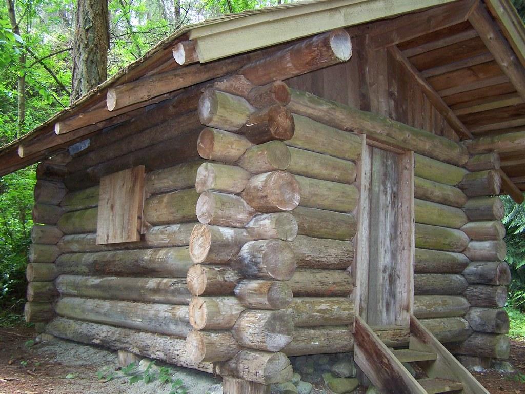 Uma t pica cabana canadense feita com troncos de rvores - Casas de madera en arboles ...