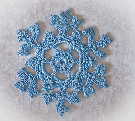 crochet snowflake | Pattern blogged today! bobbilewin.blogsp ...