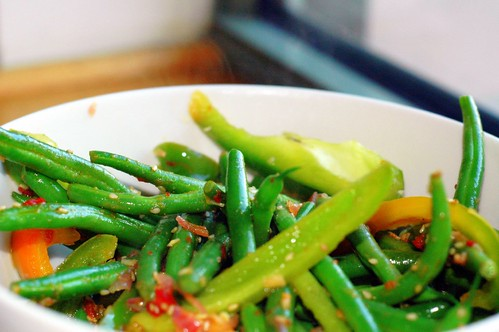 green beans and peppers sauteed in spicy sauce | by sassyradish