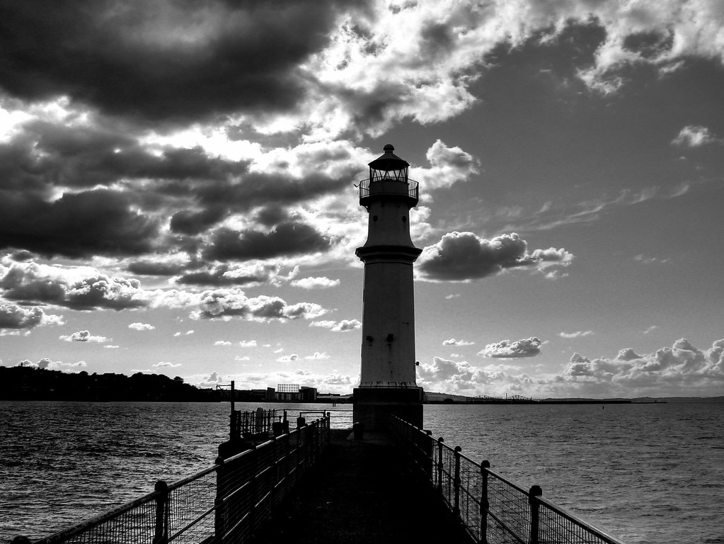 Lighthouse sky black & white | The black and white version ...