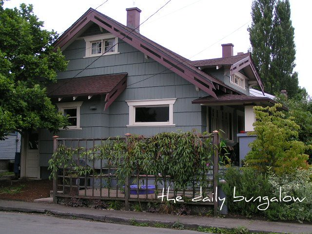 Daily Bungalow Se Portland Hawthorne Neighborhood Flickr