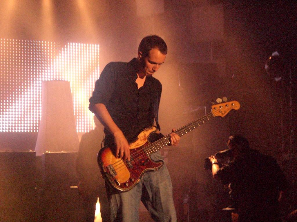 """Andreas """"Dedi"""" Herde (Juli)   Bassist der Band JULI   Flickr"""