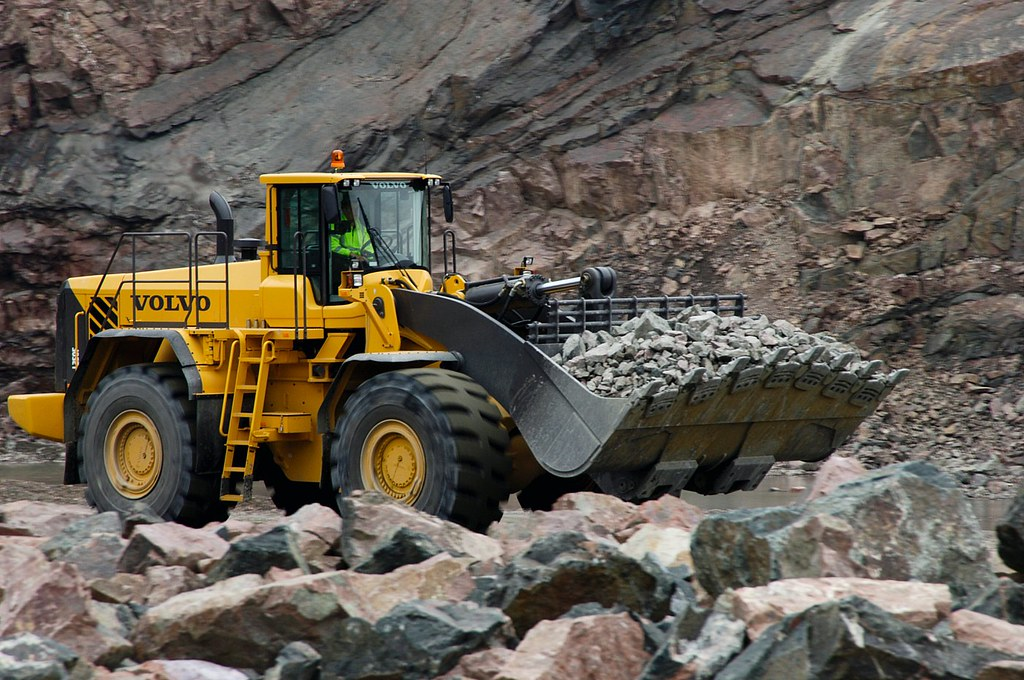 Volvo L350F Wheel Loader Transporting Rock | When you buy a … | Flickr