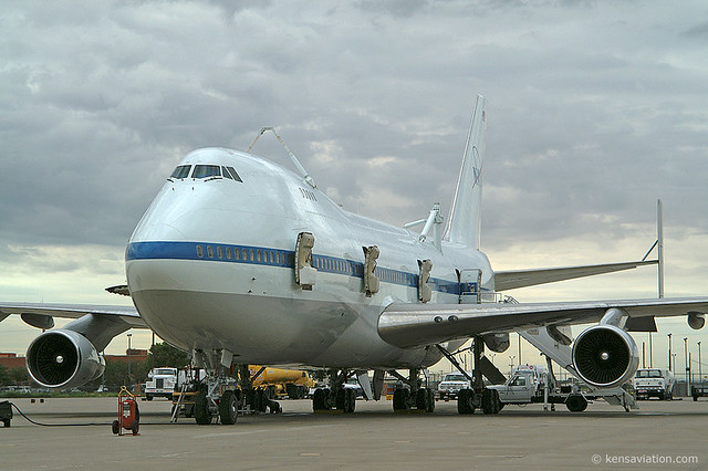 Space Shuttle Transporter   When the Space Shuttle lands ...