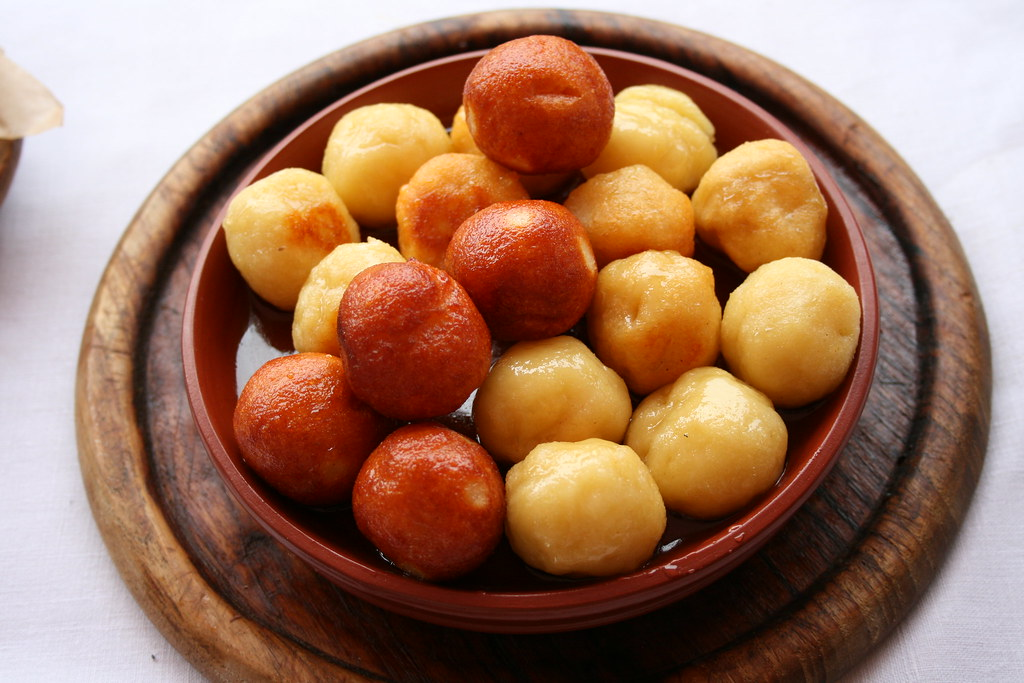 Ancient roman food these are called globuli balls of for Ancient roman cuisine