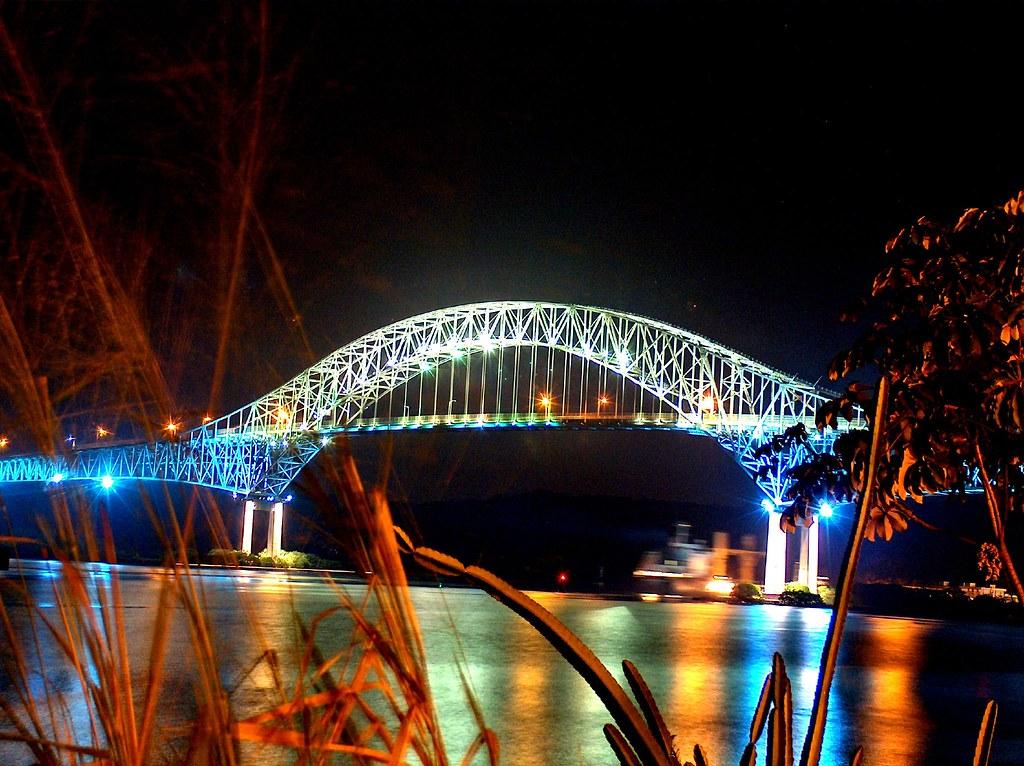 Puente de Las Americas...