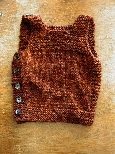 Henry's Pebble Vest, buttoned | by QueenieVonSugarpants