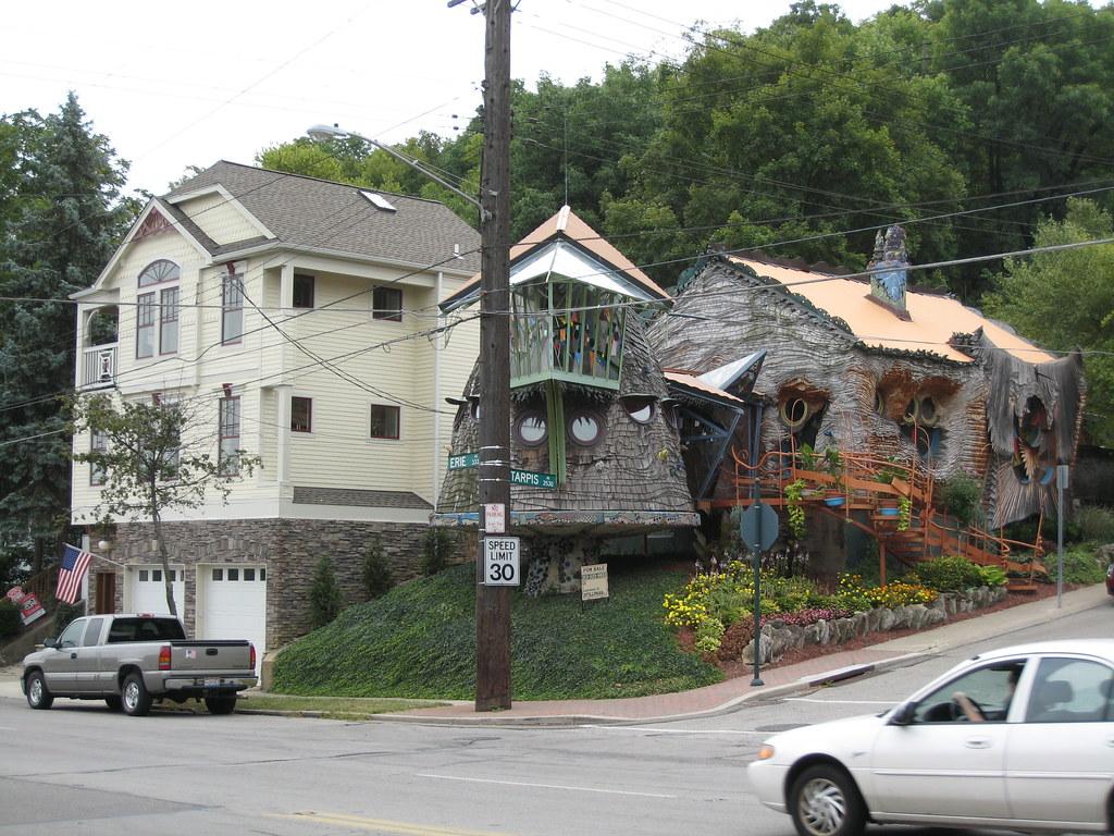 Corner Of Erie And Tarpis The Mushroom House Aka Tree Hou Flickr