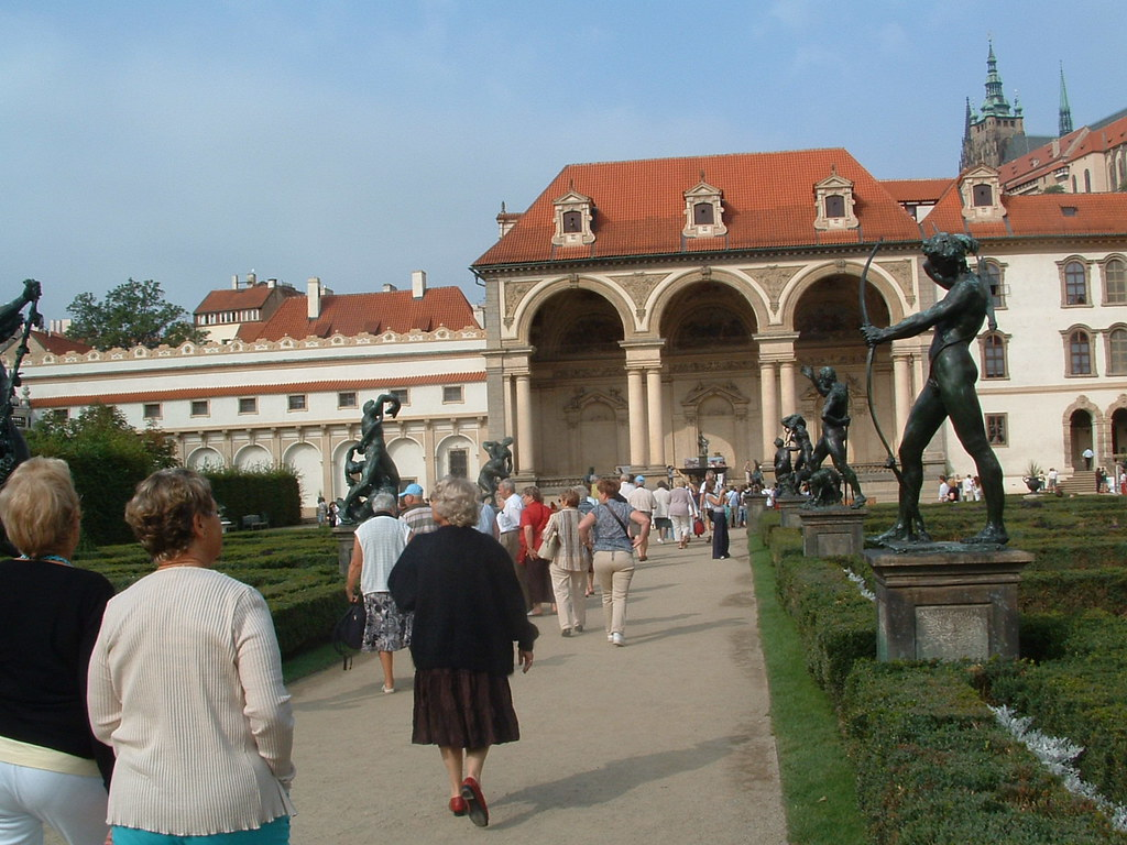 Tch quie prague jardin du palais wallenstein face la for Jardin wallenstein prague