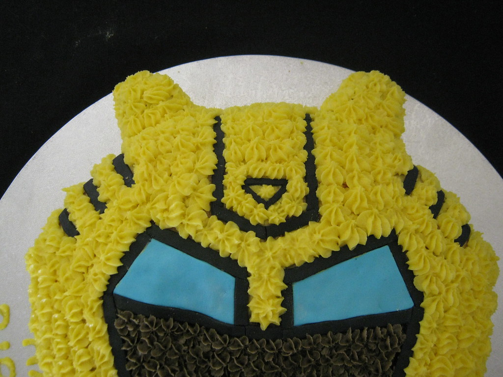 Transformers Bumblebee Cake Transformers Bumblebee
