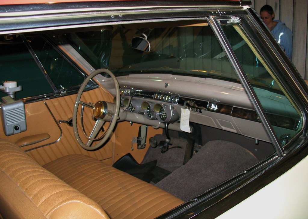 1953 Studebaker Dash | Dash and interior of 1953 ...