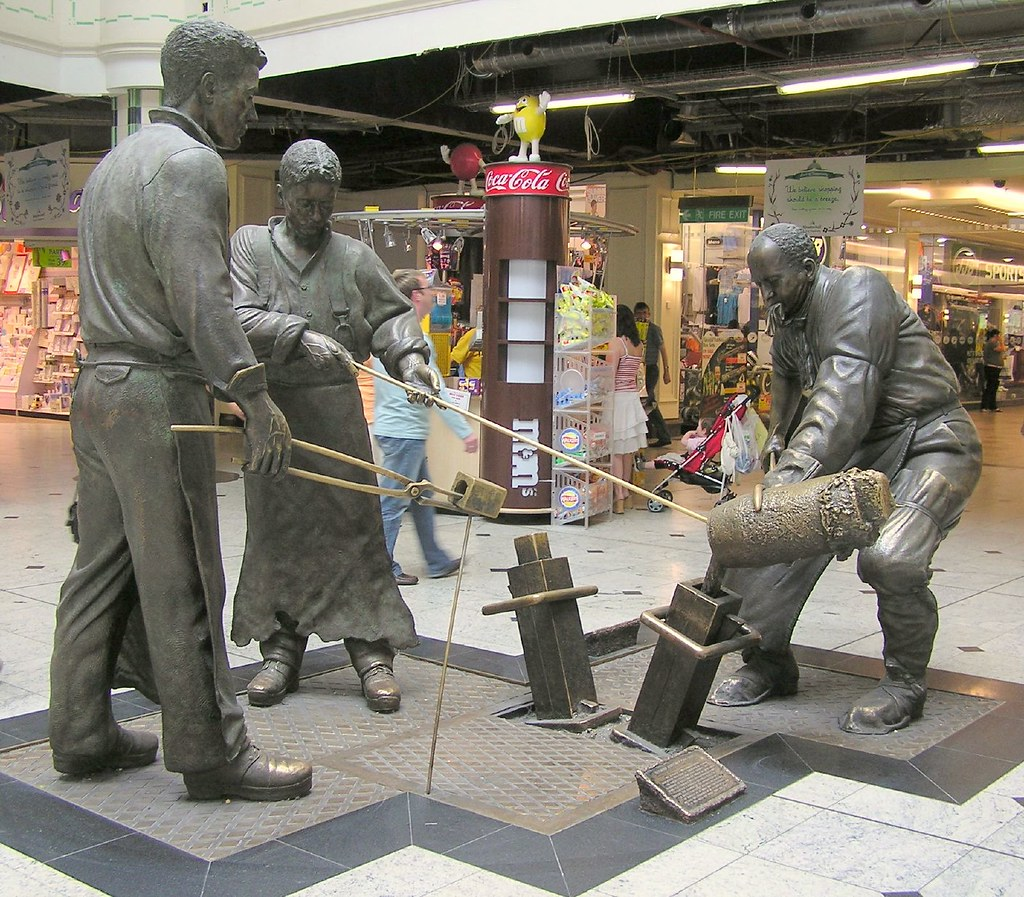 meadowhall shopping centre statue gillie rhodes flickr. Black Bedroom Furniture Sets. Home Design Ideas