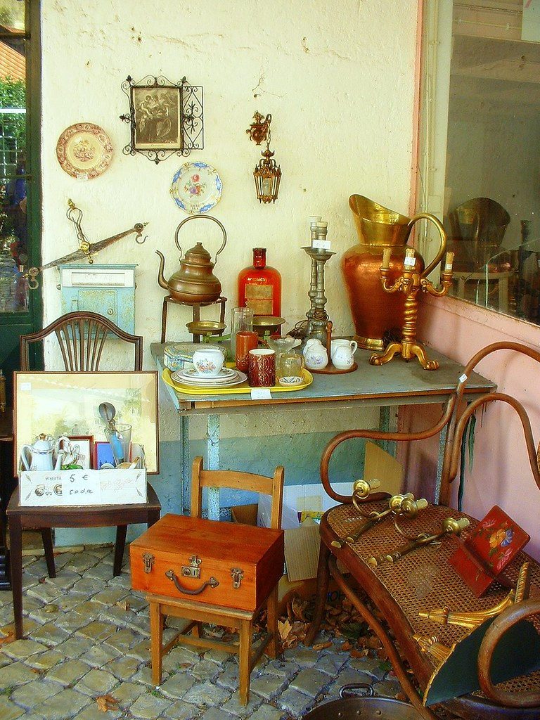 Antiques antiguidades an antique shop in st peter for Decorate my photo