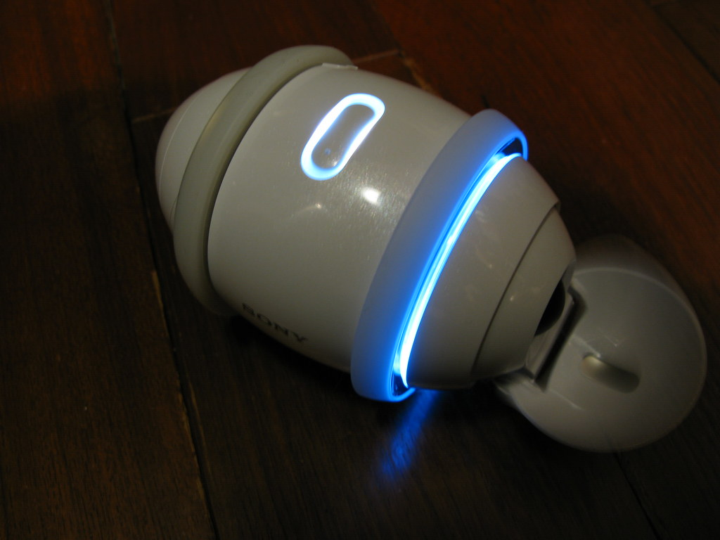 Sony Rolly - Robot Speaker Dance