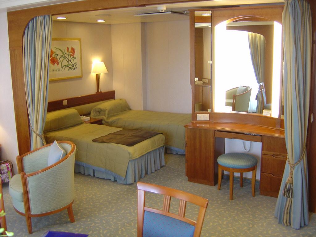 P o aurora cabin b228 william fawcett suite gary for Aurora p o interior