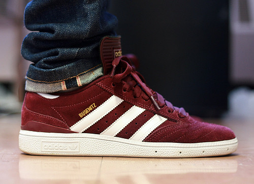What To Wear Burgundy Shoes With