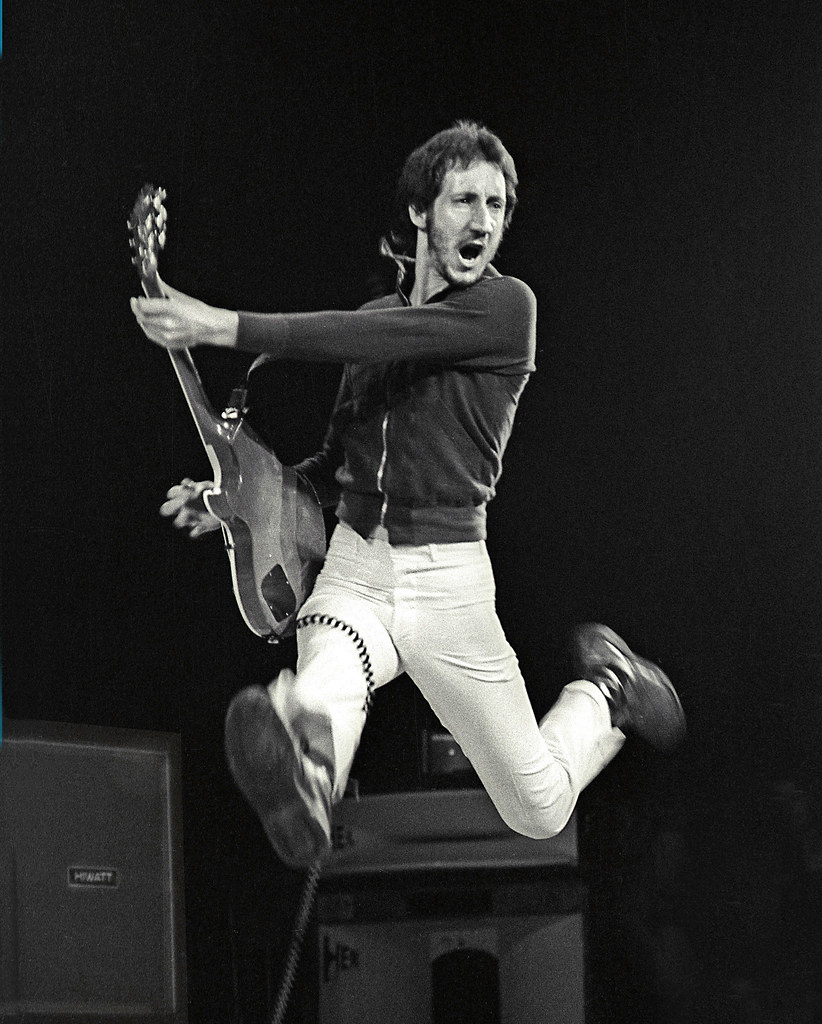 pete townshend how tall