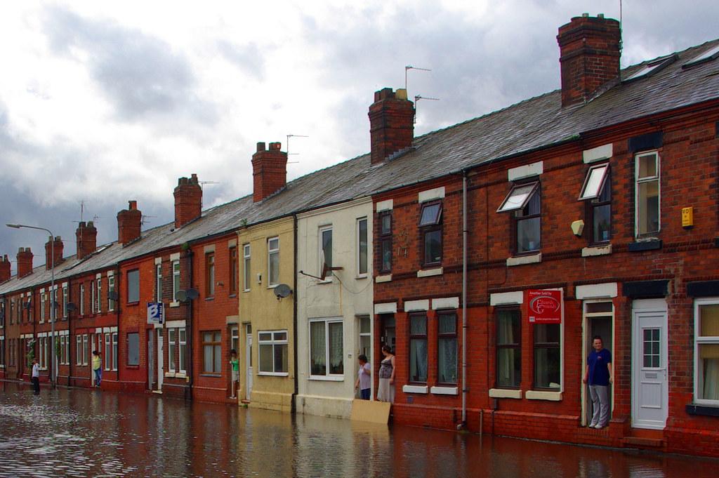 flood old liverpool road sankey bridges warrington. Black Bedroom Furniture Sets. Home Design Ideas