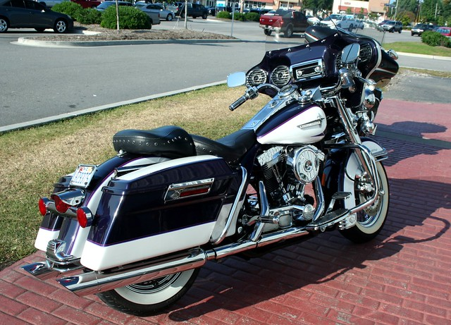 harleydavidson road king beautiful twotone charlie j