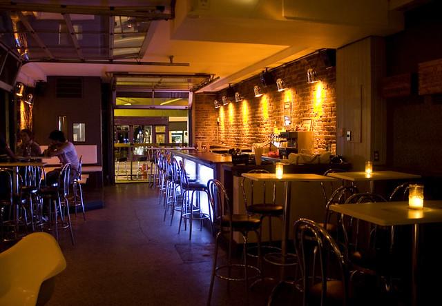 intrieur du bar inc by lapro du jeudi