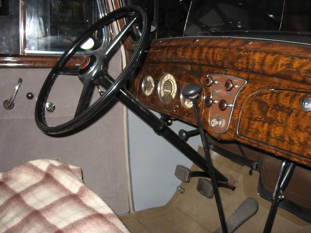 Interior of the 1934 pontiac rosewood dash mojohand for 1934 pontiac 4 door sedan