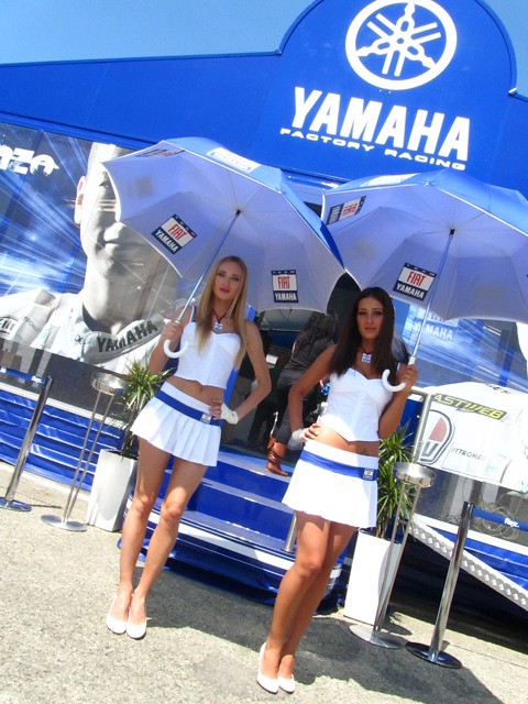 Umbrella girls @ Mugello MotoGP | Fiat Yamaha Team | Flickr