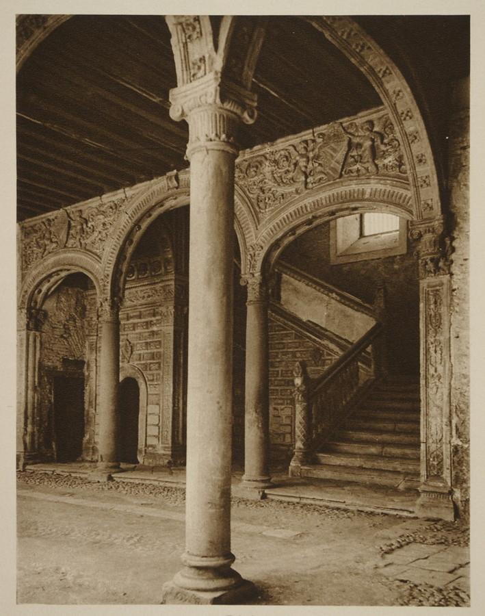 Escalera del museo de santa cruz hacia 1915 fotograf a de for Escaleras toledo