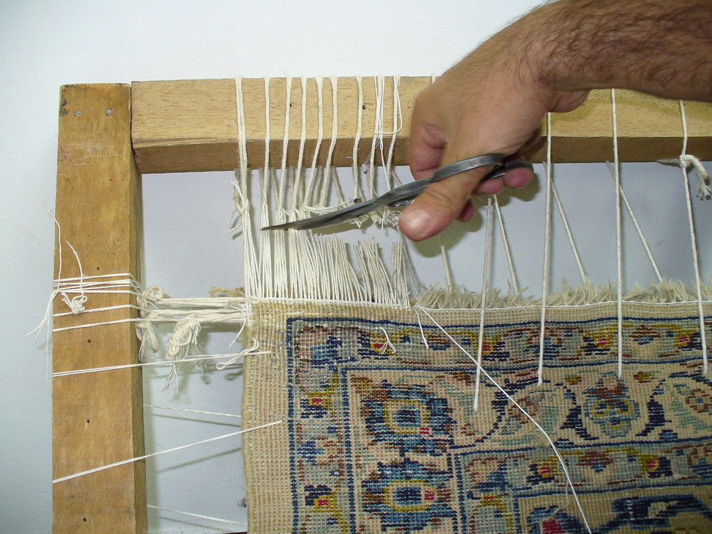 Mantenimiento y restauracion de alfombras artesanales pers for Restauracion alfombras persas